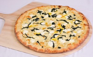 mozzarella, ricotta, and spinach pizza